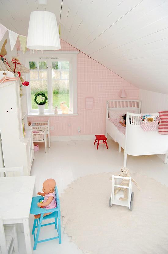 Een roze meisjes kamer wooninspiratie for Kamer voor een klein meisje