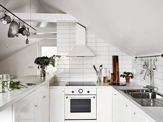 Scandinavische keukens met praktische elementen