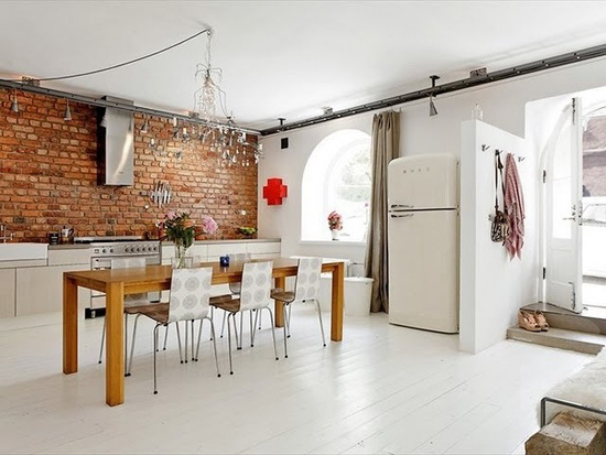 Een simpele keukeninrichting met veel licht