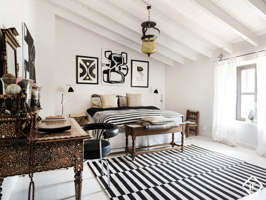 Slaapkamer met wit zwarte details