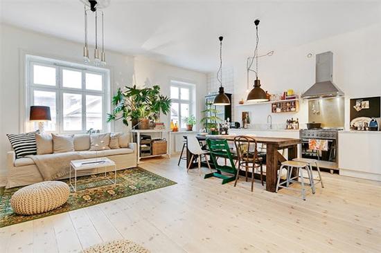 ... afgezonderde ruimte en wordt zo de woonkamer en keuken één geheel