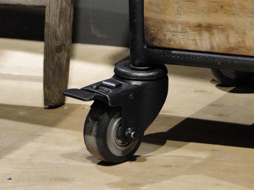 Stoere industriële TV meubel met hout en staal