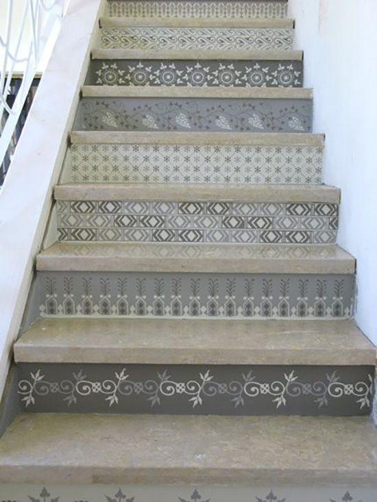 Tegels in de trap verwerken