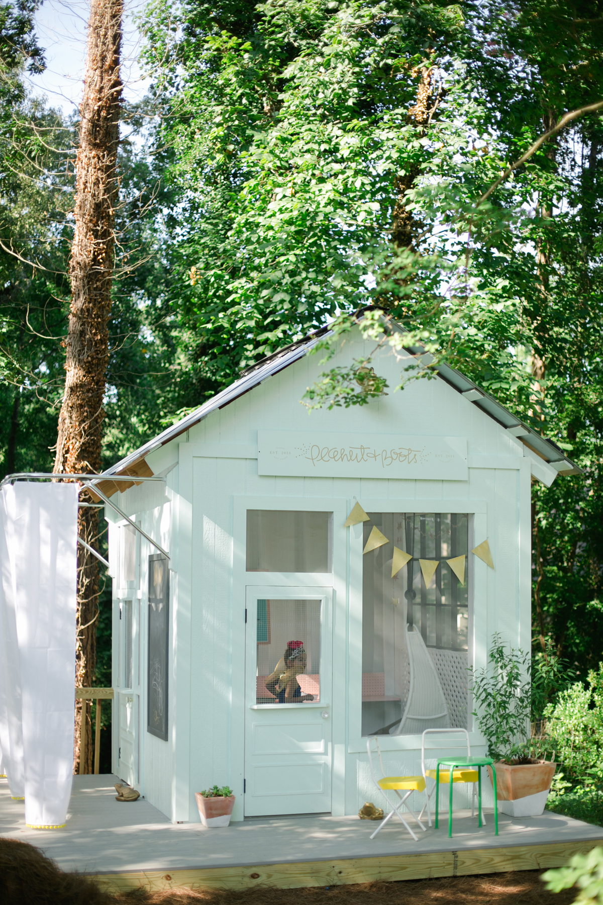 Van goedkoop tuinhuisje naar ideaal speelhuis in de tuin!