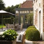 Renovatie van een negentien eeuwse huis van stella verbrugge en joeri zwoll in rotterdam - Deco oud huis met balk ...