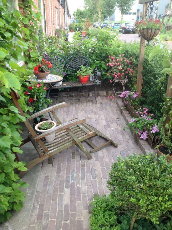 Voortuin idee n wooninspiratie - Tuin decoratie met kiezelstenen ...