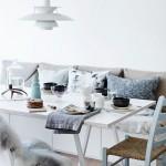 Een Scandinavische woonkamerinrichting met invloeden van de Noordpool