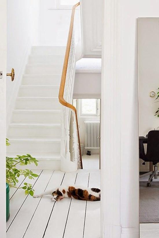 Witte houten vloer wooninspiratie for Witte vloer