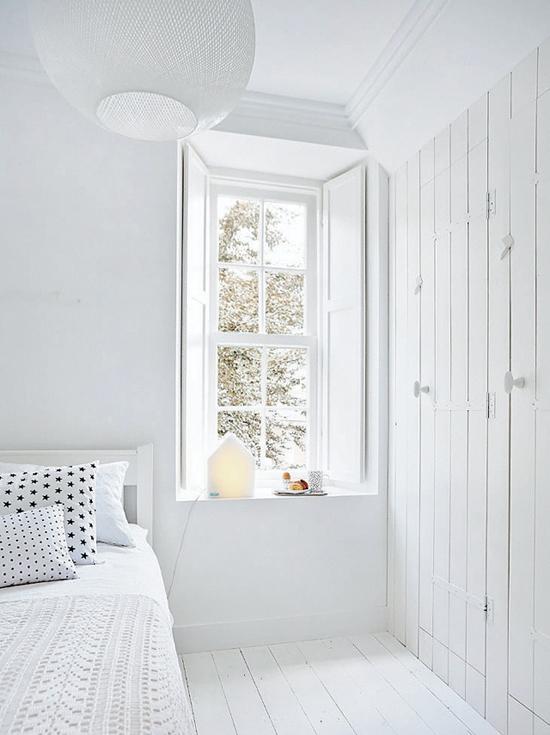een witte slaapkamer kan nooit misgaan