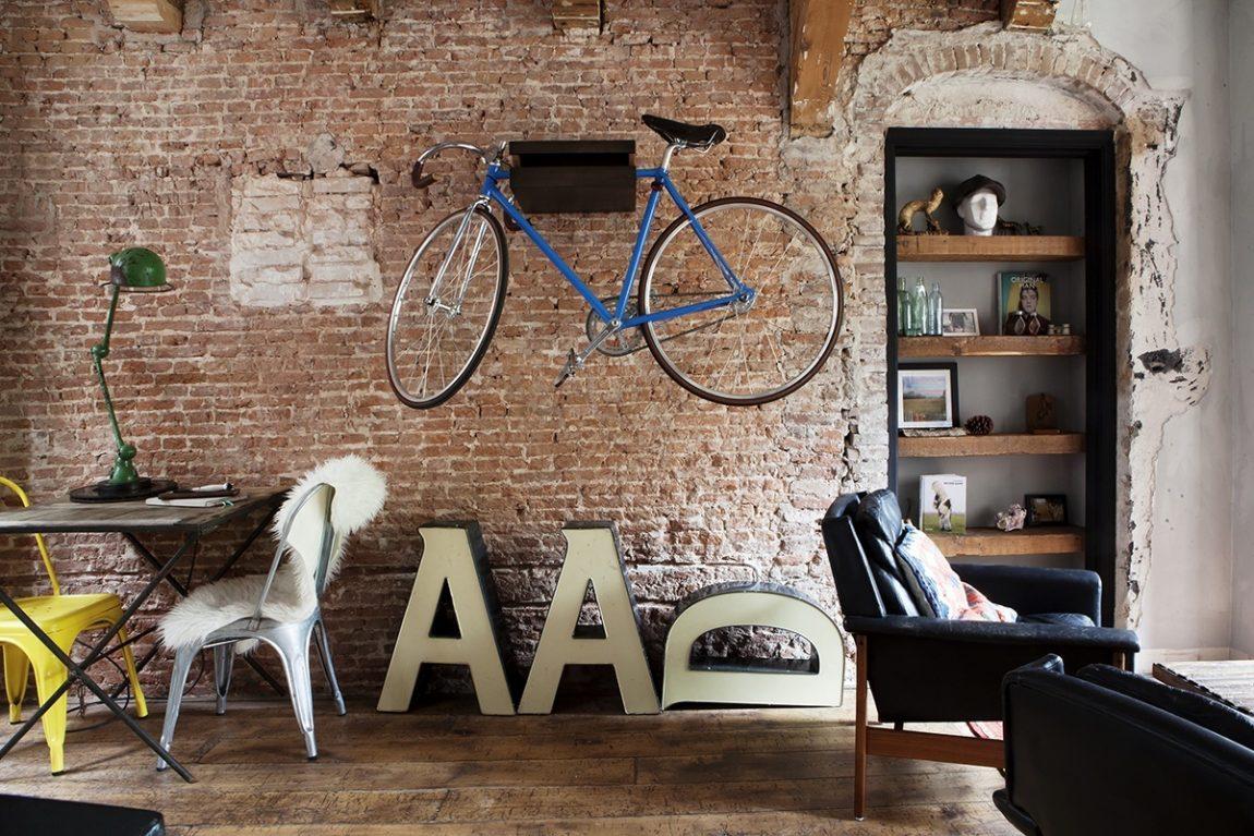 woonkamer inspiratie fiets aan muur