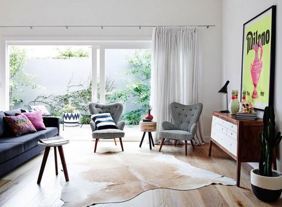 woonkamer met kleurige details  wooninspiratie, Meubels Ideeën
