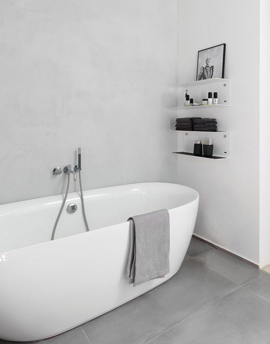 Zwart wit minimalistische badkamer