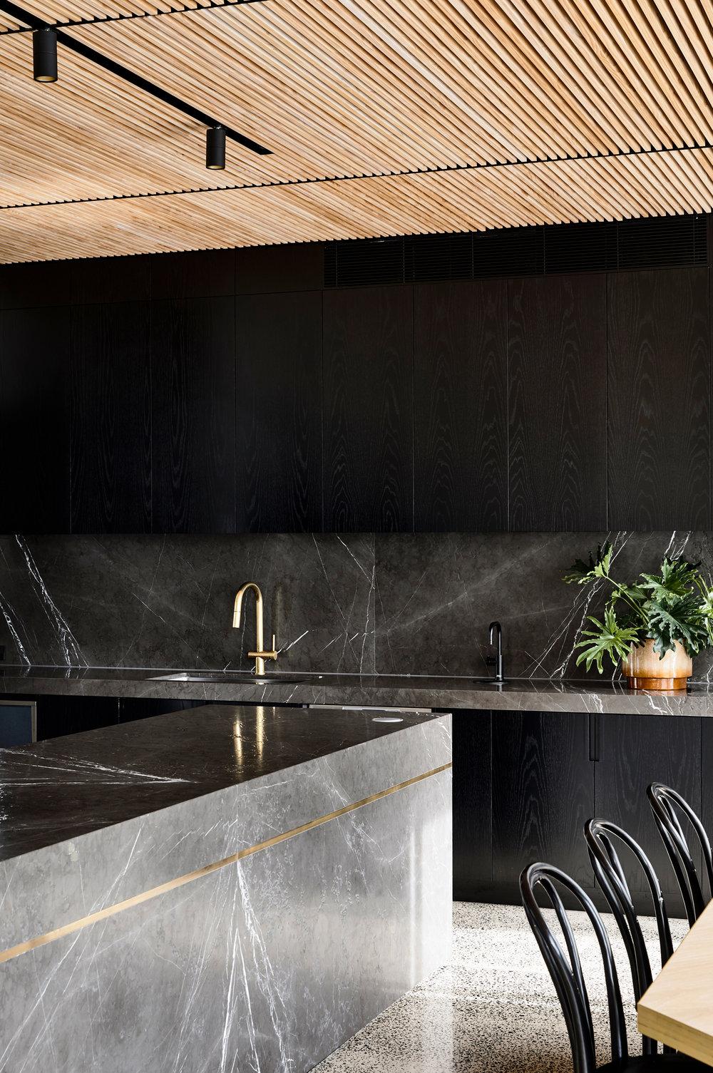 Zwarte keuken elegant luxe