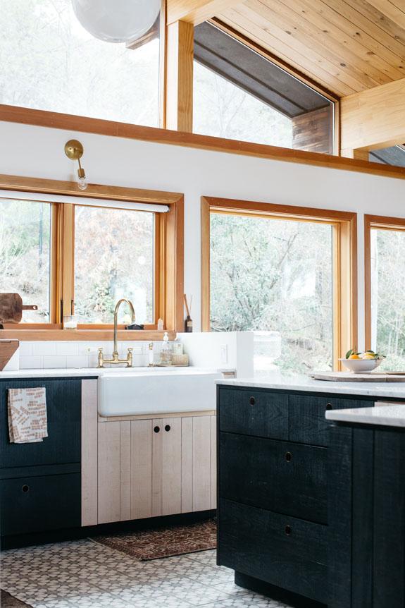 zwarte keuken vintage landelijk