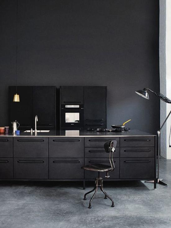 Zwarte keukens wooninspiratie - Zwarte houten keuken ...